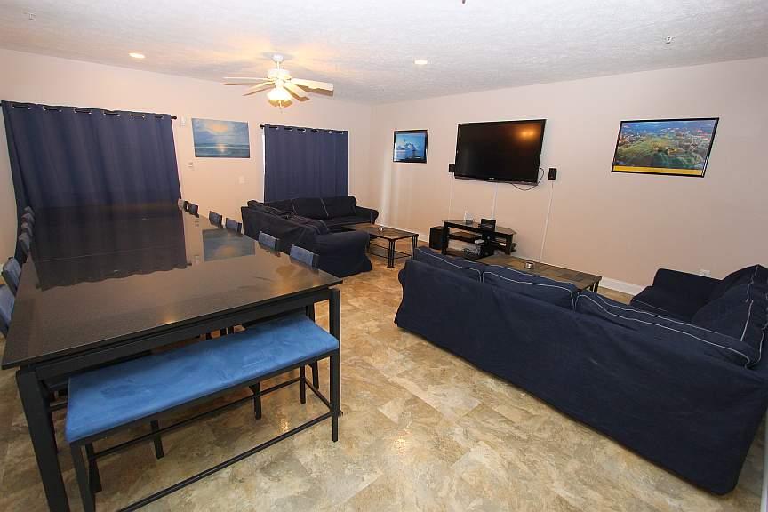 Ocean Blue Vacation Condo Myrtle Beach   Living Area ...